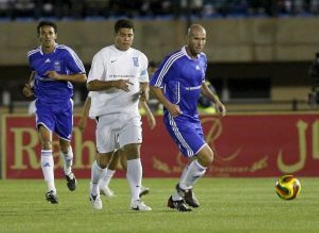Ronaldo reapareció en Fez en el partido de la pobreza