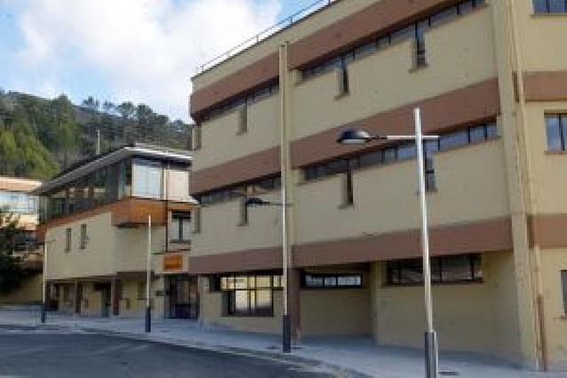 Berriozar construye junto al colegio Mendialdea un parking para 90 coches y 8 autobuses
