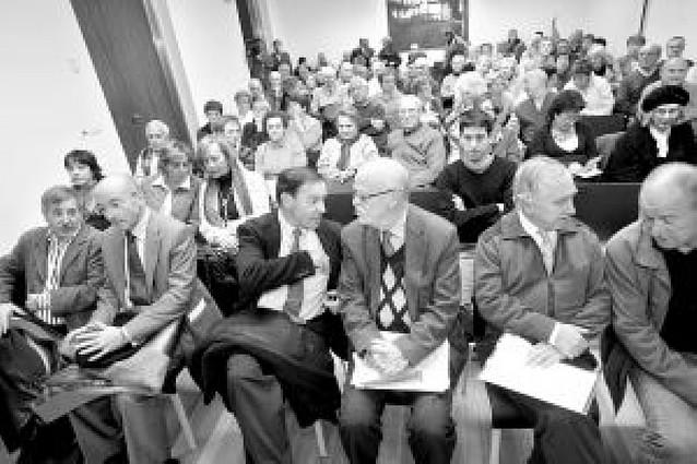 """""""Si Garzón no sigue la causa contra el franquismo, lo hará la justicia internacional"""""""