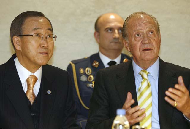 """Moratinos censura la """"demagogia"""" del PP por mezclar la cúpula de Barceló con las vacunas"""