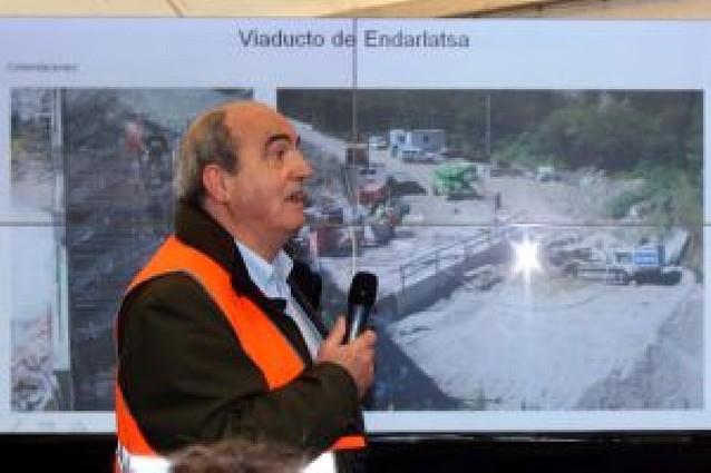 """""""El puente se pliega a las necesidades del tráfico"""""""