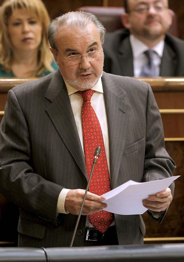 Solbes destaca el crecimiento interanual del 0,9% de España, frente al 0,7% de la zona euro