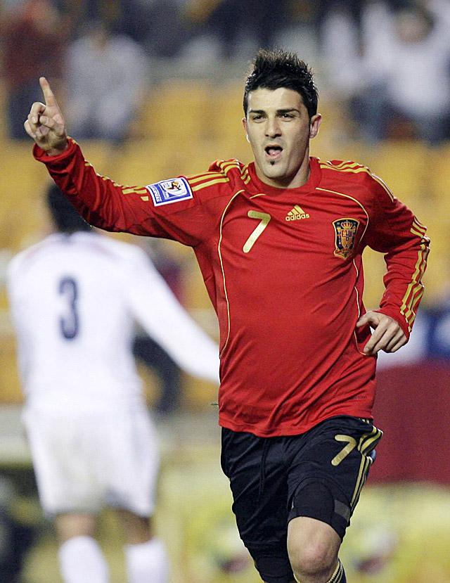 España pone el broche a su mejor año ante Chile (3-0)