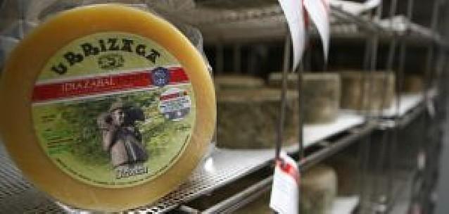 El queso de pastor se queda en la familia