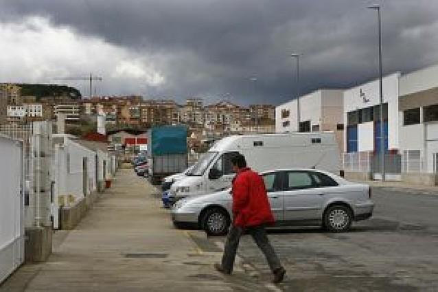 El Ayuntamiento de Viana pondrá fin a 10 meses sin luz pública en el polígono industrial