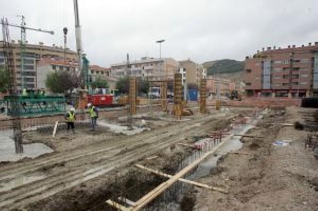 La construcción deja de crecer en Navarra y los servicios frenan su crecimiento