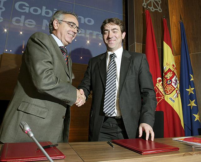 Gobierno foral y PSN sellan el acuerdo para aprobar los Presupuestos de 2009