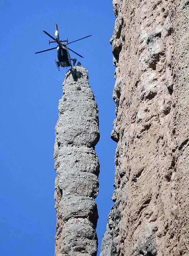 Rubalcaba quiere extender a otras Comunidades el convenio entre la Guardia Civil y el Gobierno de Aragón en materia de rescates de montaña