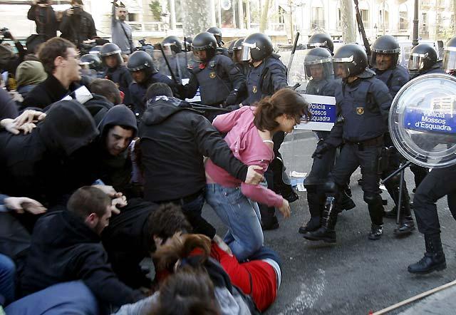 La huelga de universitarios consigue un seguimiento irregular en Barcelona