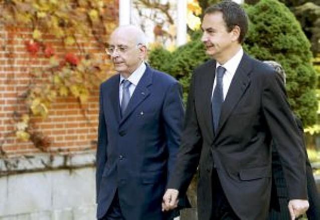 Zapatero aboga por olvidar el franquismo