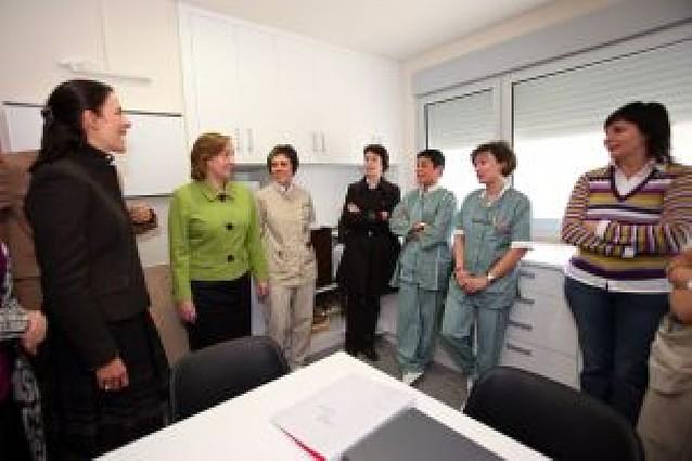 Kutz visita la unidad de paliativos, con 5 de sus 20 plazas ocupadas