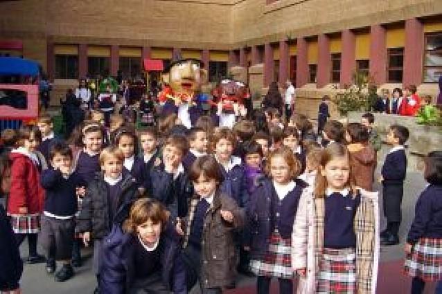 La comunidad escolar de la Compañía de María participa en la Fiesta de la Niña María