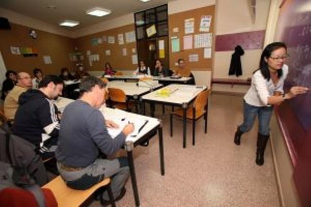 53 alumnos asisten a las clases de japonés y chino iniciadas por la Escuela de Idiomas de Tudela