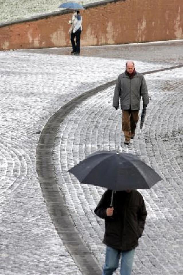 Meteorología prevé nieve sobre los 400 metros el martes y el miércoles