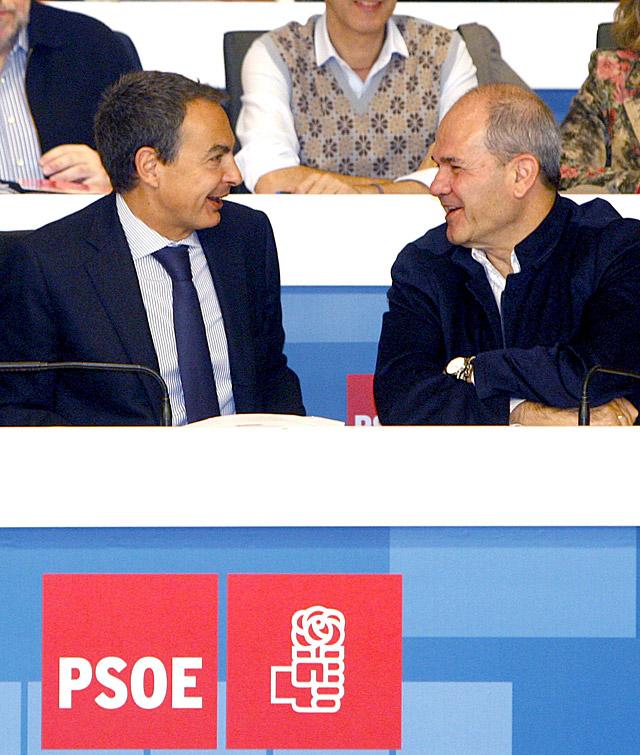 Zapatero promete la movilización de recursos públicos para crear empleo