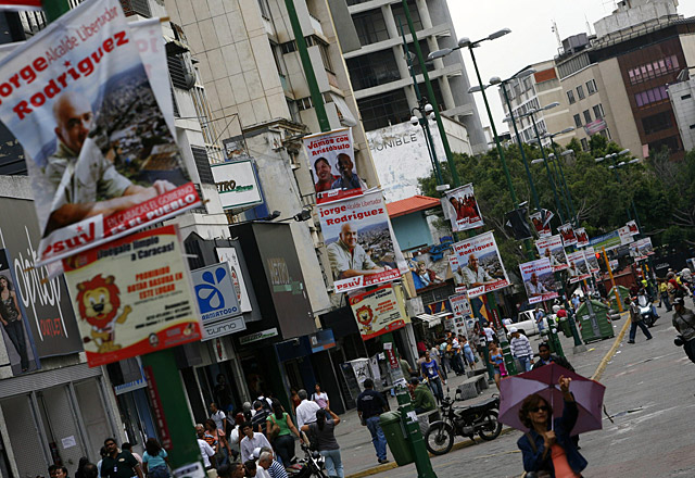 Los venezolanos votan masivamente entre llamamientos a acatar los resultados
