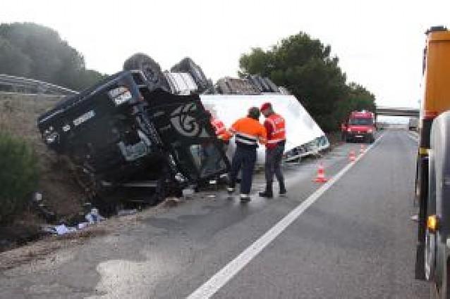 Muere un camionero en Castejón tras salirse de la vía