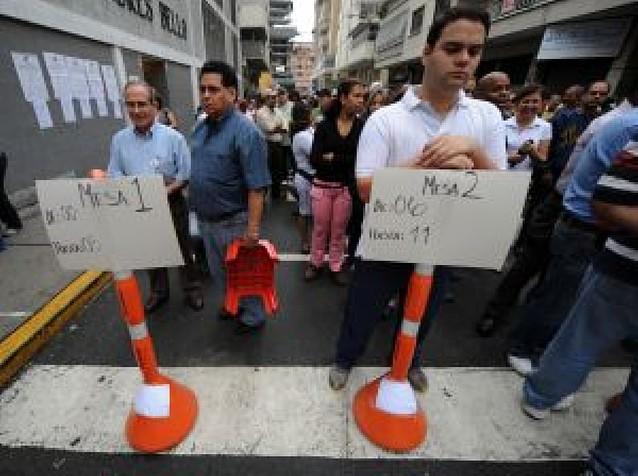 Chávez planteó como un referéndum las urnas regionales y municipales
