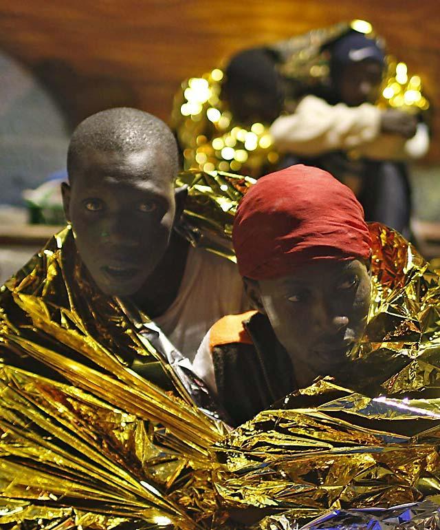 Llega a Tenerife un cayuco con 70 personas a bordo