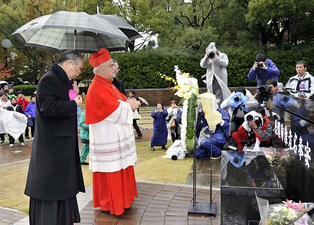 La Iglesia Católica beatifica a 188 mártires japoneses en Nagasaki