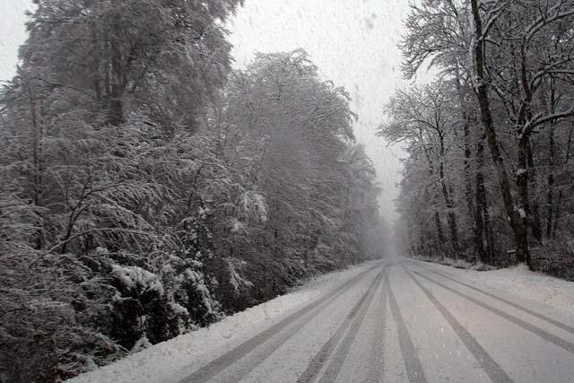 Las lluvias remiten en el norte, pero la nieve complica el tráfico