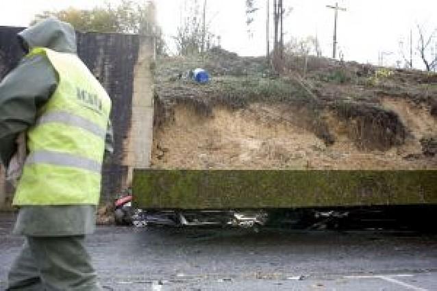 Un hombre muere en Asturias tras un desprendimiento por las lluvias