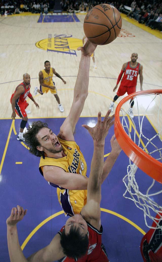 Pau Gasol despacha a los Nets y los Lakers se asientan en lo más alto (120-93)