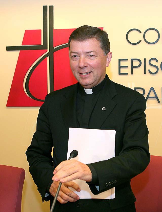 Juan Antonio Martínez Camino, reelegido secretario general de la CEE