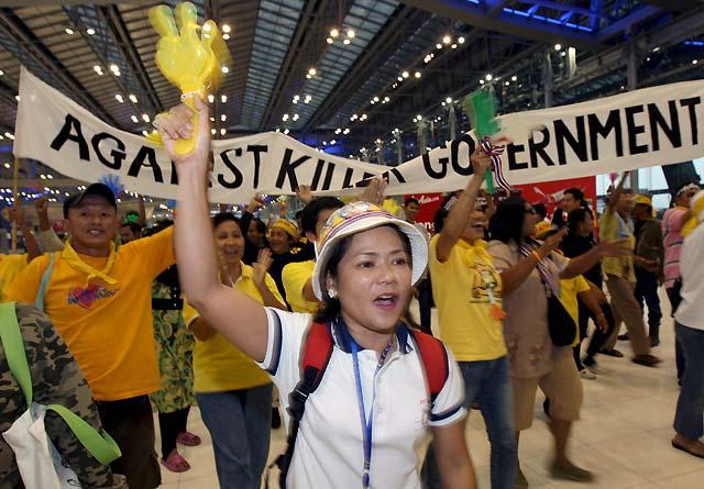 El jefe del ejército tailandés descarta un golpe de Estado pero pide disolver el Parlamento