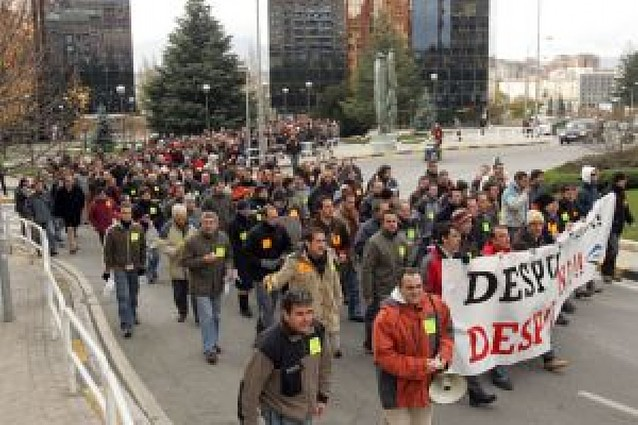 Los trabajadores de Dana se manifiestan contra el expediente de 71 despidos