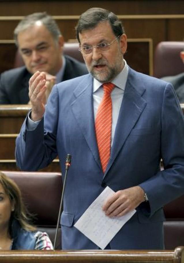 """Rajoy considera que sería un """"escándalo mayúsculo"""" la entrada de Lukoil en Repsol"""