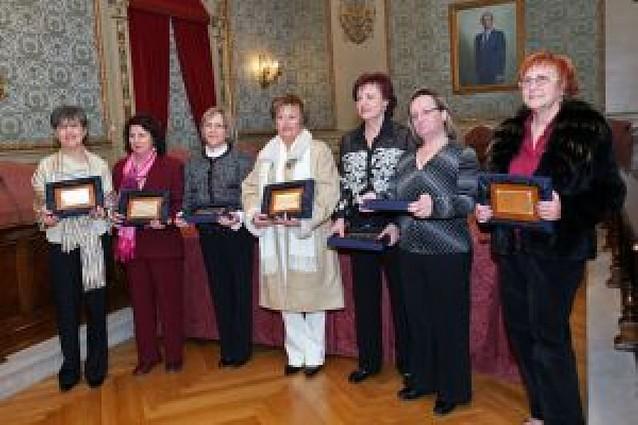 Homenaje a 7 profesoras jubiladas en Tudela
