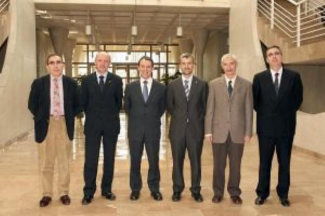 Premios a las mejores contribuciones científicas de la UPNA en 2006