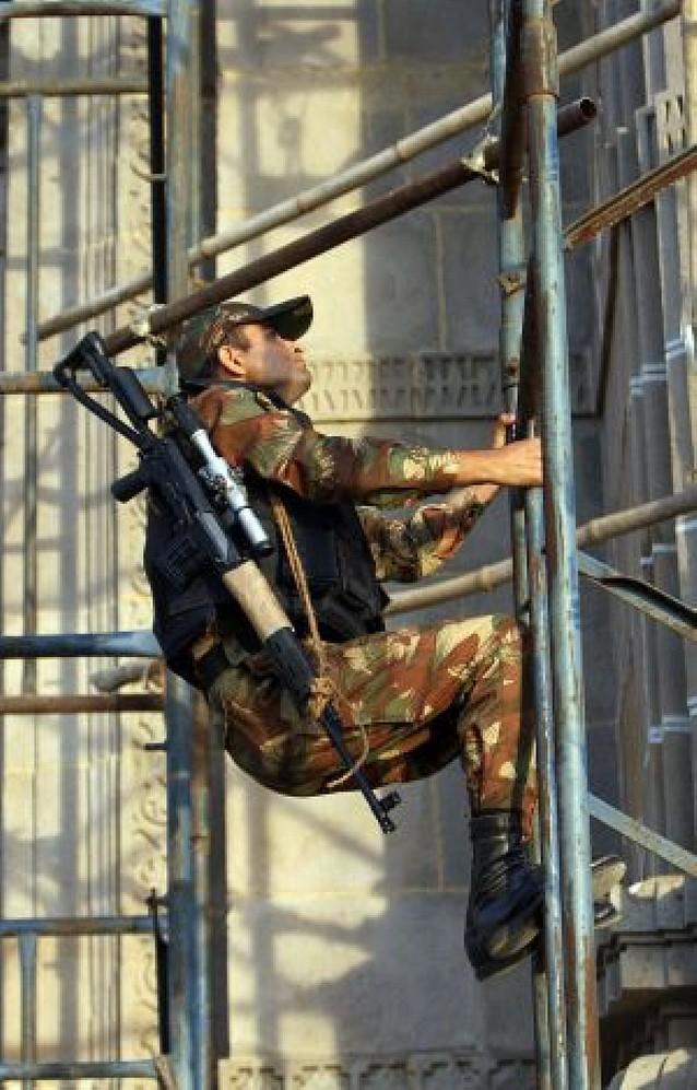 Se eleva a 125 el número de muertos y todavía hay terroristas en dos hoteles