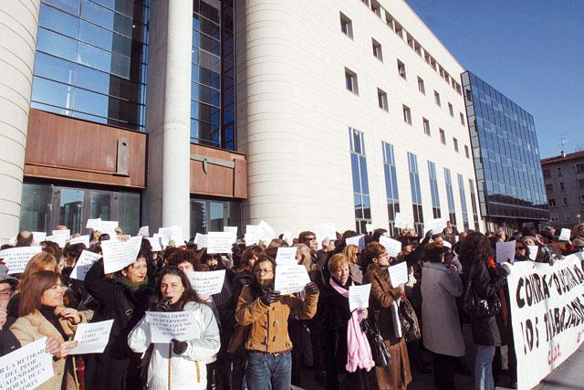 Los funcionarios de Justicia se plantean ir a la huelga indefinida