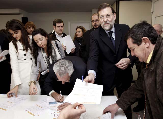"""Rajoy inaugura la sede navarra del PP, que """"ya no se disolverá nunca más"""""""