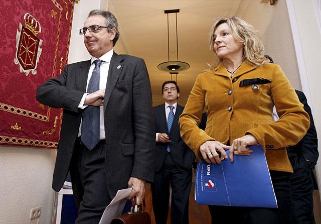 Sanz pide a los senadores Palacios y a Lapazarán que apoyen las enmiendas de UPN