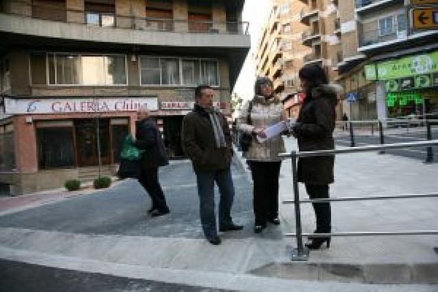 El cruce de la calle Capuchinos mejora su accesibilidad
