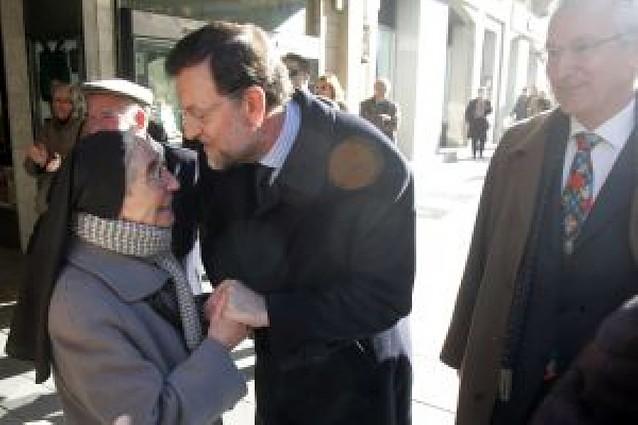"""Rajoy inaugura la sede del PP de Navarra y dice que el partido """"no se disolverá nunca más"""""""