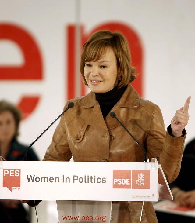 Pajín presenta a Zapatero como un ejemplo para Europa