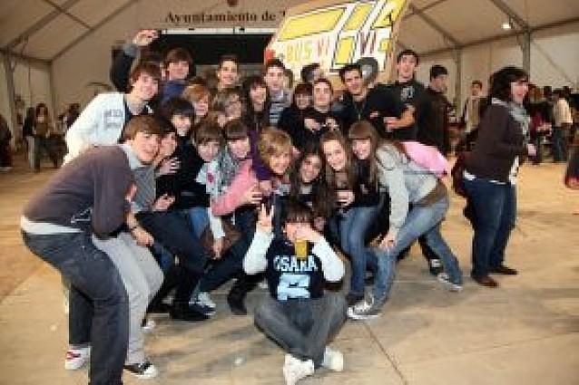 Unos 400 jóvenes se reúnen en el Día del asociacionismo