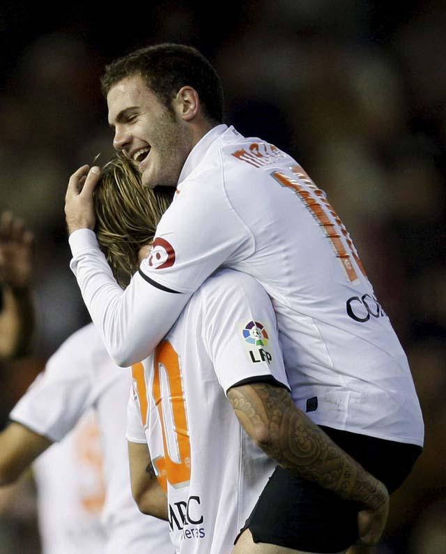 Victoria épica del Valencia con uno menos (3-2)