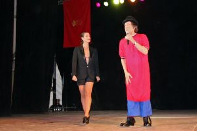 Los payasos Fofito y Mónica Aragón actúan ante 1.000 personas en Tudela