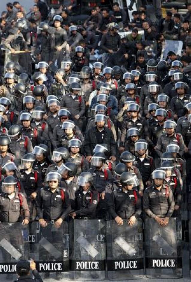 Más de 50 heridos en Bangkok por la explosión de granadas