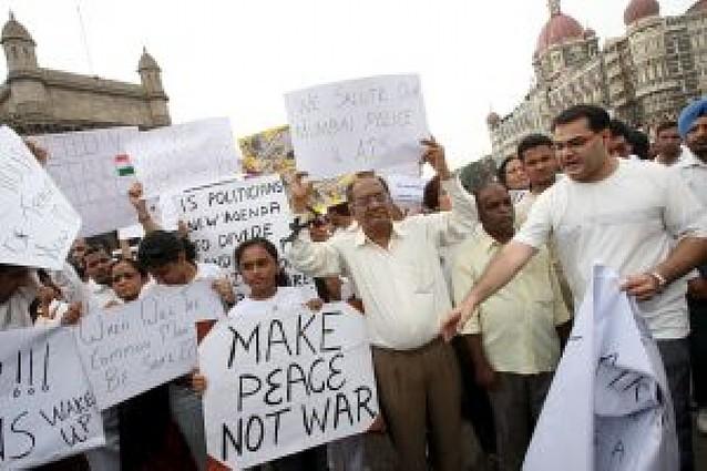 Bombay trata de recuperar la vida mormal mientras los ciudadanos piden seguridad
