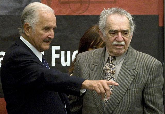 García Márquez apoya en silencio a Carlos Fuentes en el homenaje de la Feria Internacional del Libro