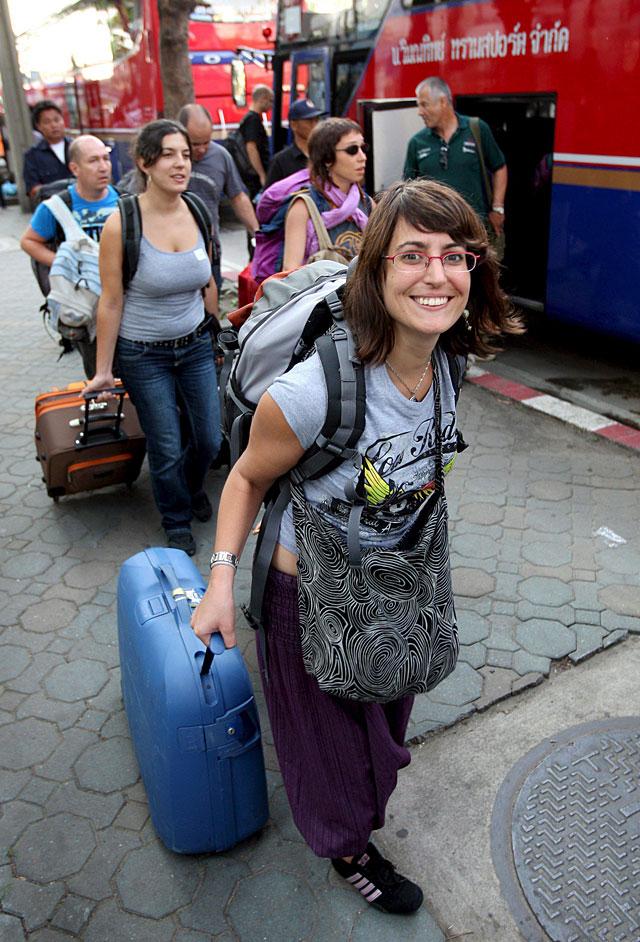 Los manifestantes contra el Gobierno tailandés acceden a que salgan 88 aviones con turistas extranjeros