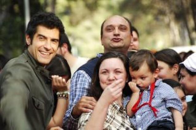 Antena 3 reconstruye la casa de una familia de 14 miembros