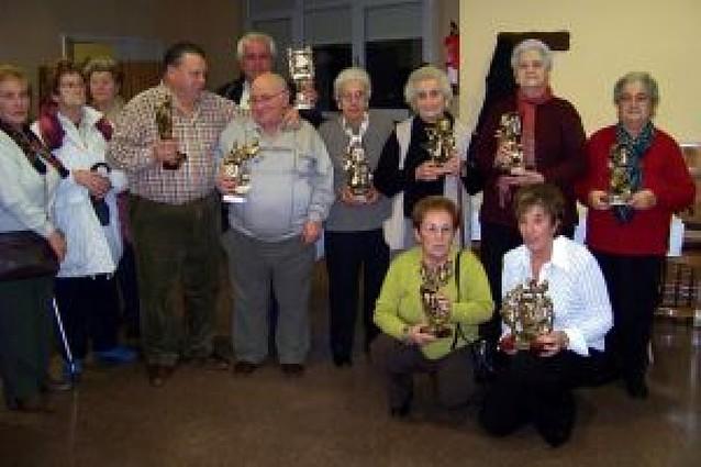 La nueva junta del club de Andosilla presidió la entrega de premios
