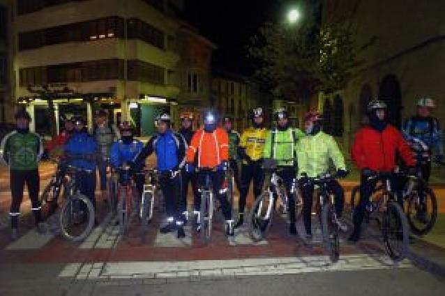 Marcha nocturna de 28 socios del CC Arguedano